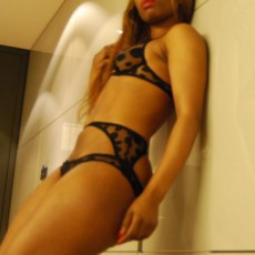 Brandy Ebony Escort