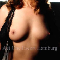 Janina - Escort Hamburg- Act One Escort